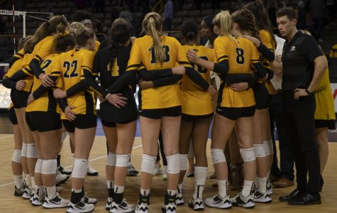 Hawkeyes, Cornhuskers set to clash at Carver