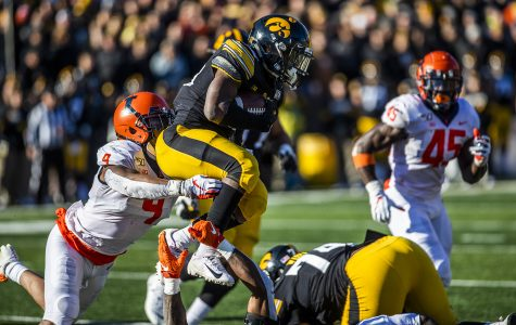 Iowa plans to use ground attack against USC