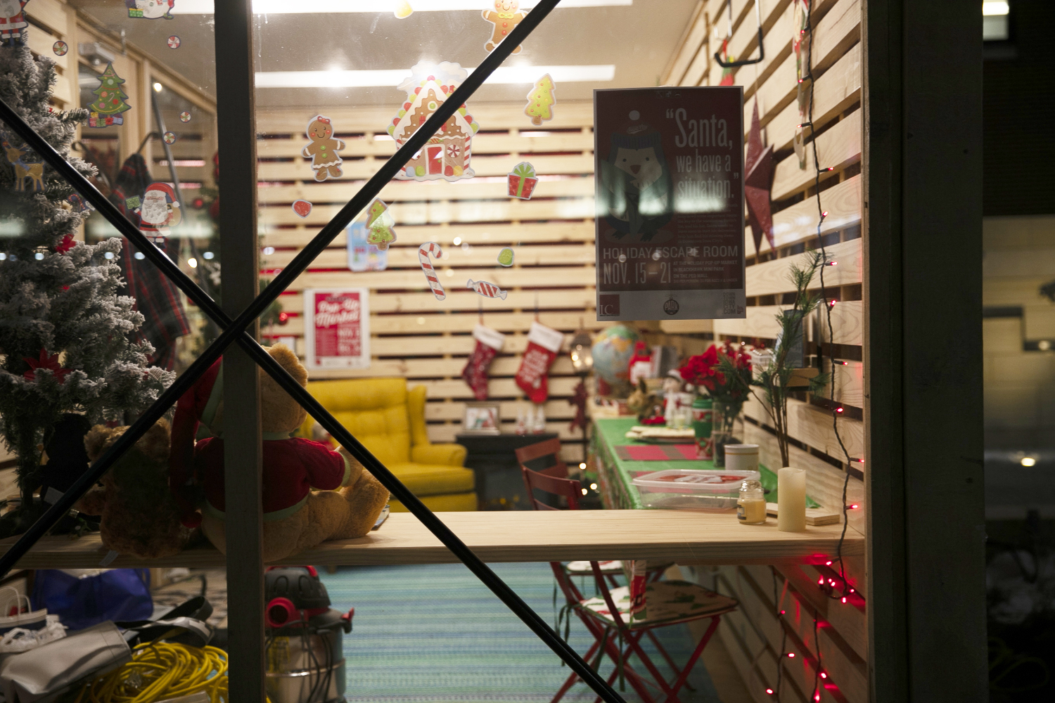 A holiday pop-up shop is seen in the Ped Mall on Thursday, November 14, 2019. The holiday pop-up shops will be going on through December 24. (Raquele Decker/The Daily Iowan)