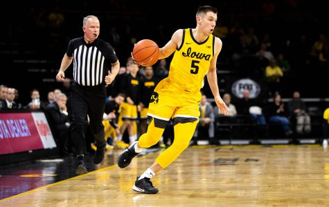 Iowa men's hoops unable to recover from early deficit