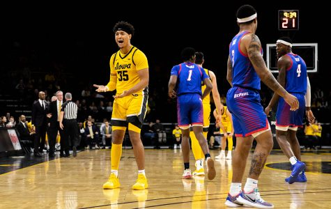 Ruden: Iowa men's basketball hasn't moved on from March