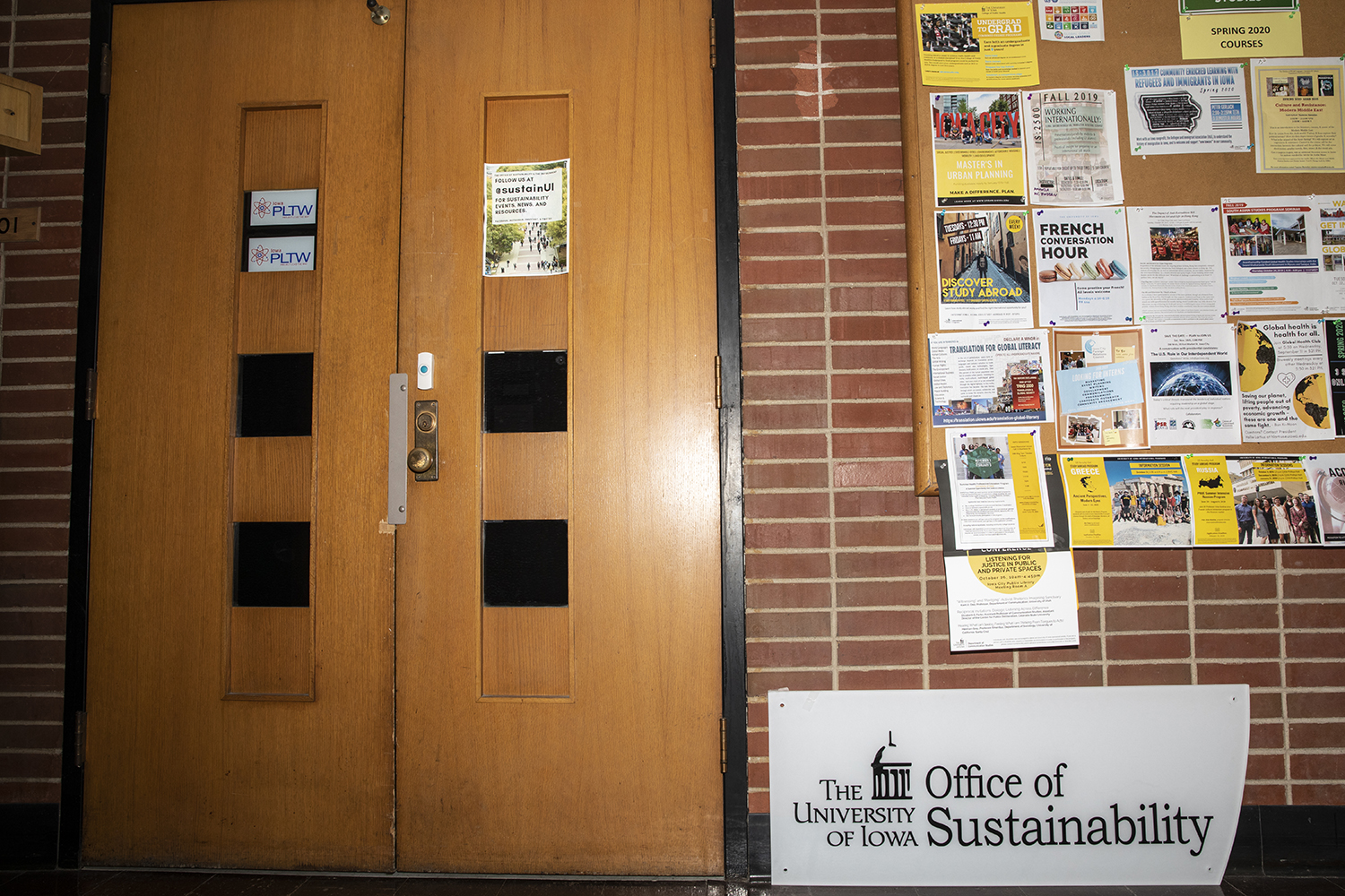 The University of Iowa Office of Sustainability in the Communication Center on October 21, 2019. The Office of Sustainability is partnering with University Dining to reduce waste at Iowa. (Ryan Adams/The Daily Iowan)