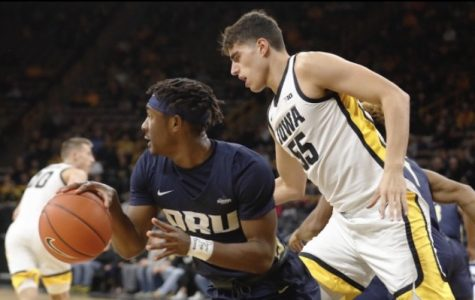 Garza scores career-high in win over Oral Roberts