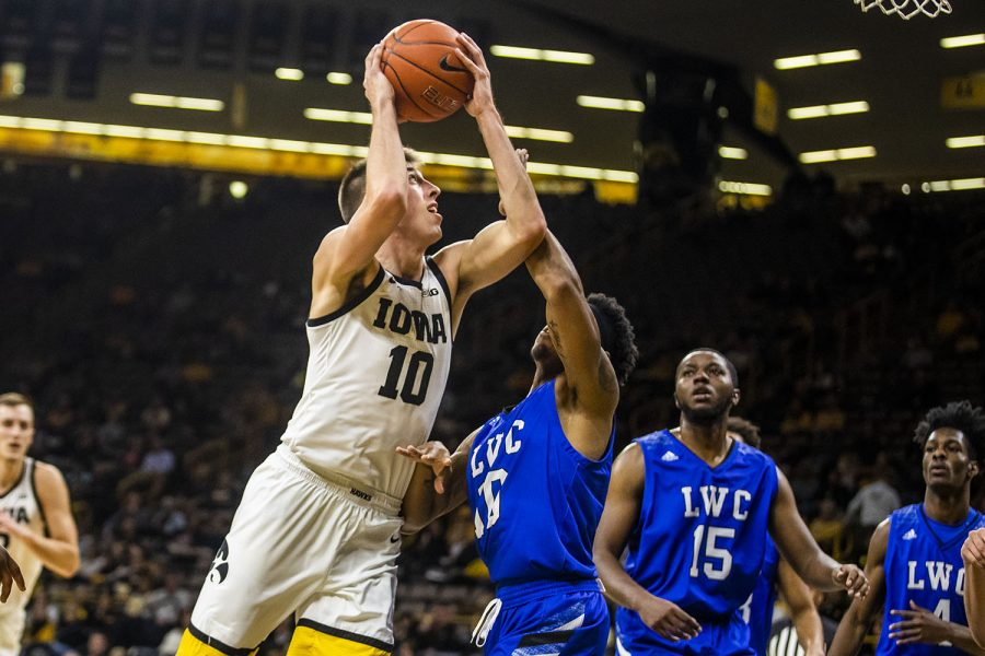 Iowa+guard+Joe+Wieskamp+prepares+to+shoot+the+ball+during+the+men%27s+basketball+game+against+Lindsey+Wilson+College+at+Carver-Hawkeye+Arena+on+Monday%2C+November+4%2C+2019.+