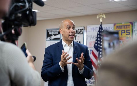 Cory Booker urges people to donate at Iowa City stop