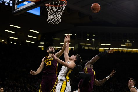 Iowa men's basketball overpowers Cal Poly in second half