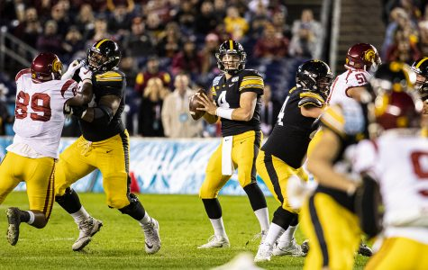 Iowa clinches 10th win with Holiday Bowl victory over USC