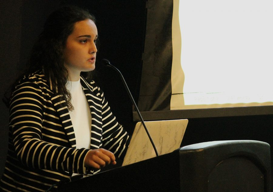 Senator and Internal Affairs Committee Chair Anna Correa talks about the legislation to fellow senators during a UISG meeting Tuesday. The senators voted to override a veto from President Noel Mills.