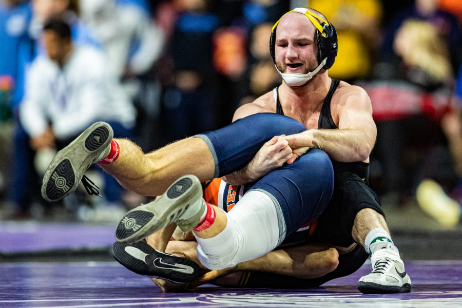 Iowa%E2%80%99s+165-pound+Alex+Marinelli+wrestles+Bucknell%E2%80%99s+Zachary+Hartman+during+the+third+session+of+the+57th+Annual+Ken+Kraft+Midlands+Championships+at+the+Sears+Centre+in+Hoffman+Estates%2C+IL%2C+on+Monday%2C+Dec.+30%2C+2019.+Marinelli+won+by+decision%2C+8-3.