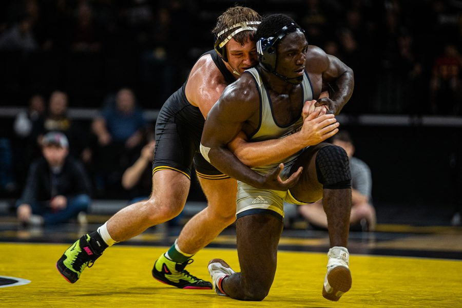 Iowa%27s+197-pound+Jacob+Warner+wrestles+UTC%27s+Rodney+Jones+during+a+wrestling+dual-meet+between+Iowa+and+Tennessee-Chattanooga+at+Carver-Hawkeye+Arena+on+Sunday%2C+Nov.+17%2C+2019.+Warner+won+by+decision%2C+5-4%2C+and+the+Hawkeyes+defeated+the+Mocs%2C+39-0.+