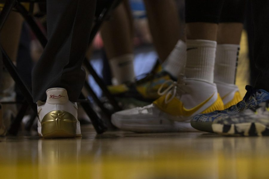 Iowa honors Kobe Bryant with shoes, mentality