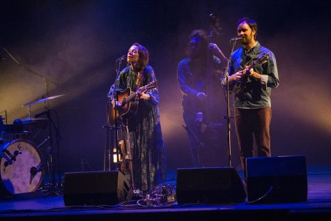 Mandolin Orange bluegrass-folk acoustics fill Englert Theater