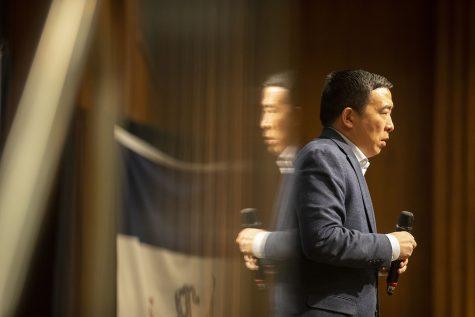 Photos: Andrew Yang visits the IMU (1/29/20)