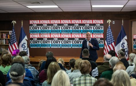 Cory Booker preaches to Iowans ahead of deadline to qualify for Democratic debates