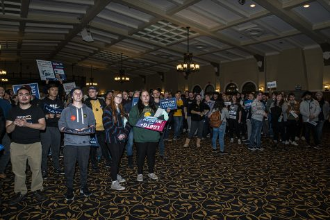 Bernie Sanders narrowly wins UI mock caucus over Elizabeth Warren and Andrew Yang