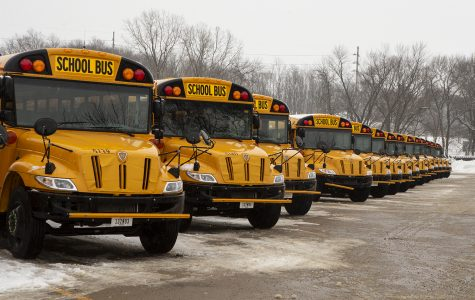 Iowa City School Board to replace school buses with electric cars