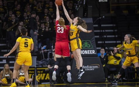 Bluder picks up Big Ten win No. 200 in Iowa's victory over Ohio State