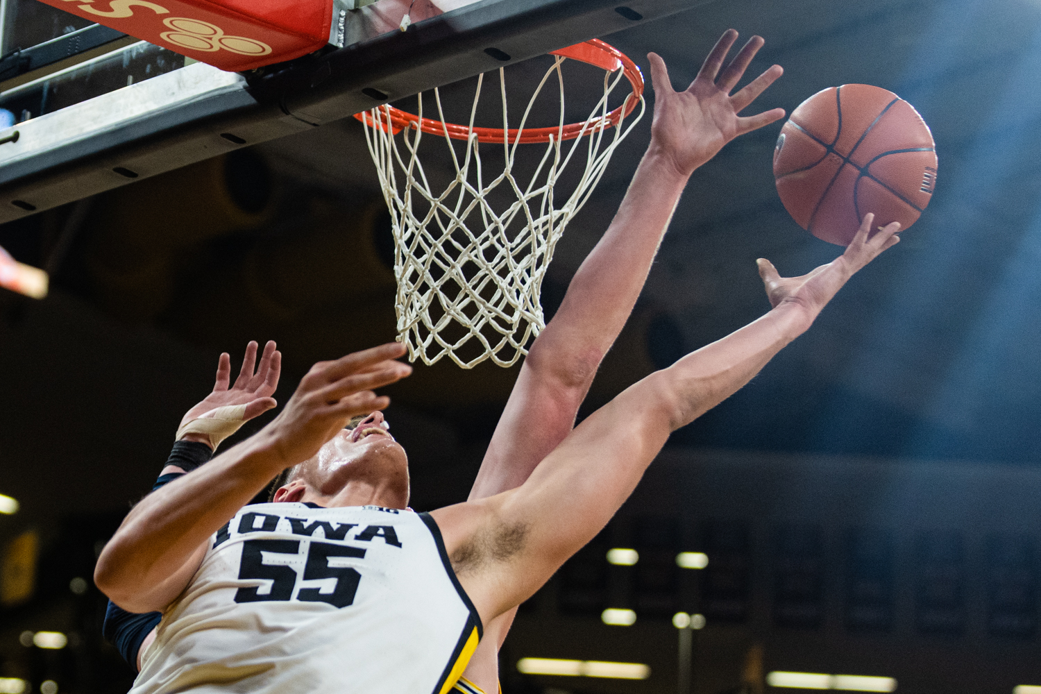 Iowa forward Luka Garza looks for the basket during a men's basketball game between Iowa and Michigan at Carver-Hawkeye Arena on Friday, Jan. 17, 2020.