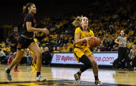Women's basketball upsets Maryland at Carver