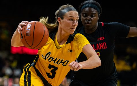 Women's basketball returns to Carver looking to extend winning streak