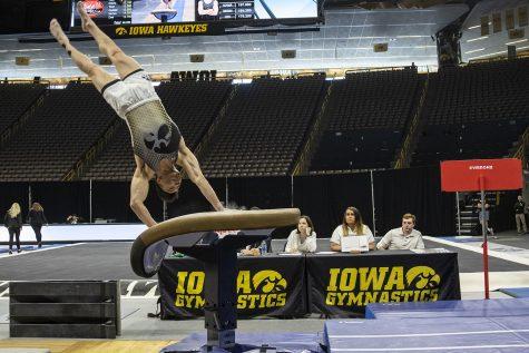 Photos: Men's Gymnastics vs. University of Minnesota and UIC (2/1/20)