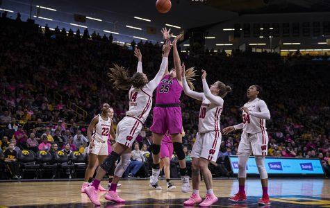 Iowa women's basketball sails past Penn State