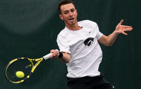 Men's and women's tennis combine for two weekend victories