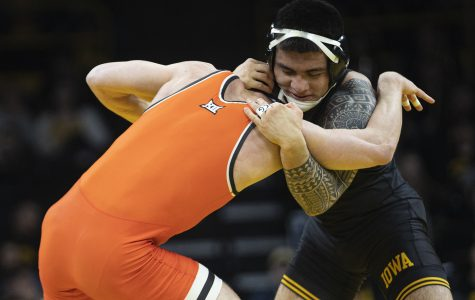 Hawkeyes finish regular season undefeated after win over Cowboys