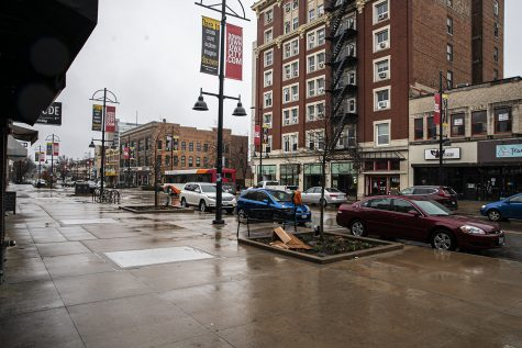 A CBD store opened in Iowa City last month. Officials say it's illegal.