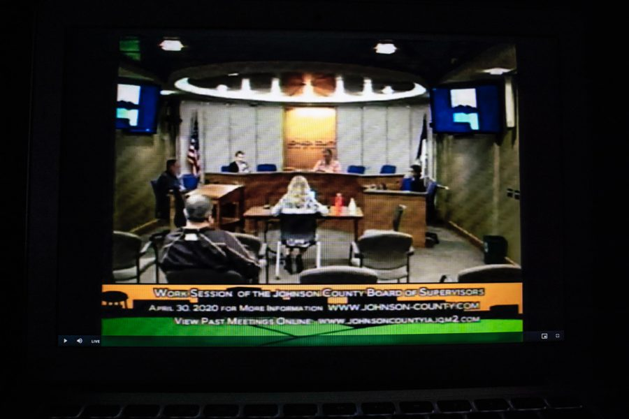 Johnson+County+supervisors+hold+a+work+session+over+live-stream+on+Wednesday%2C+April+29%2C+2020.+