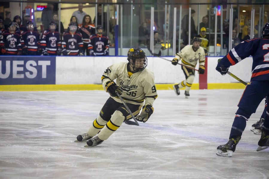 Student Spotlight: UI hockey player balances passion for sport and music