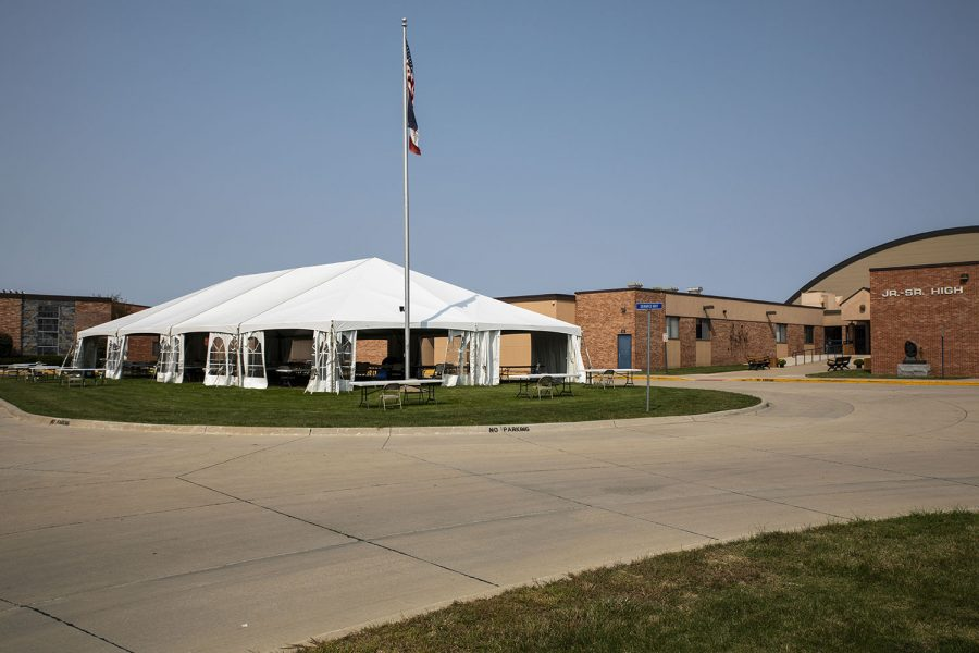 A tent stands in the courtyard at Regina school 2050 Rochester Ave. It serves as outdoor classroom and cafeteria. As seen on Monday, Sept.21,2020