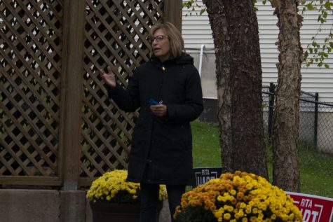 Rita Hart is seen speaking during her backyard tours on Saturday, Oct. 24, 2020.