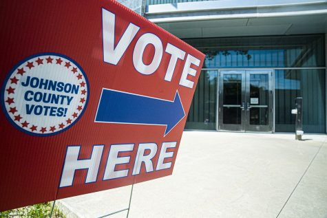 A Johnson County precinct indicator is seen outside The University of Iowa Visual Arts building on Tuesday, June 2, 2020. Counties all across Iowa along with eight other states are participating in the 2020 primary elections. (Tate Hildyard/The Daily Iowan)