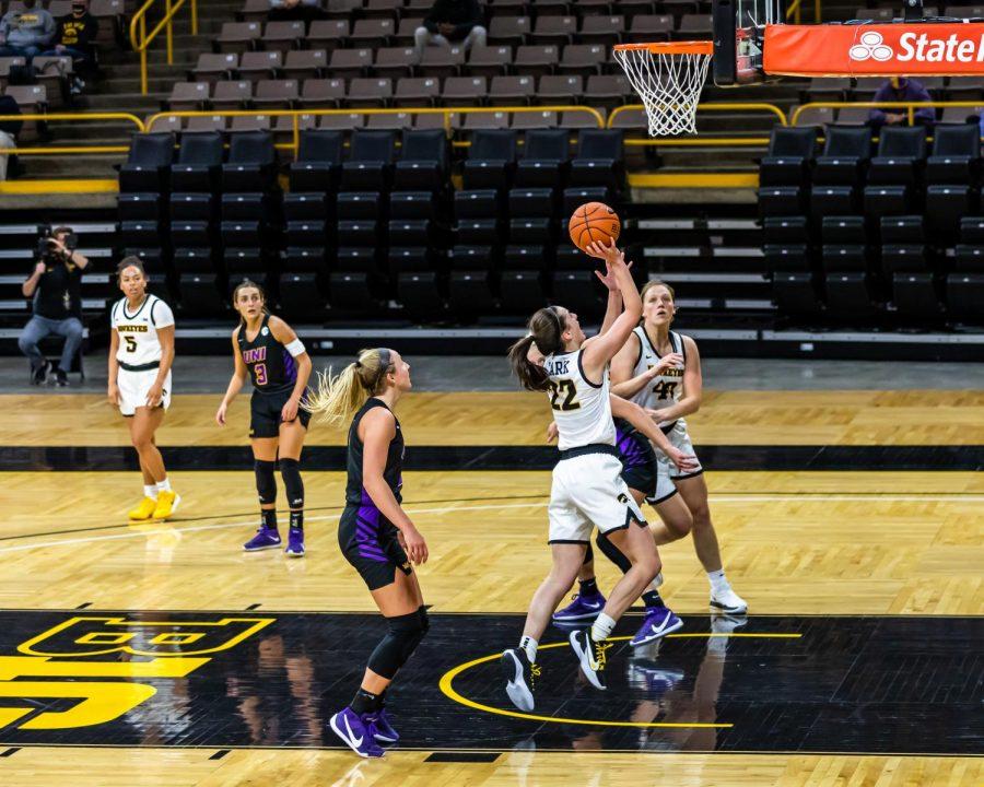 Caitlin+Clark+shines+for+Iowa+in+collegiate+debut