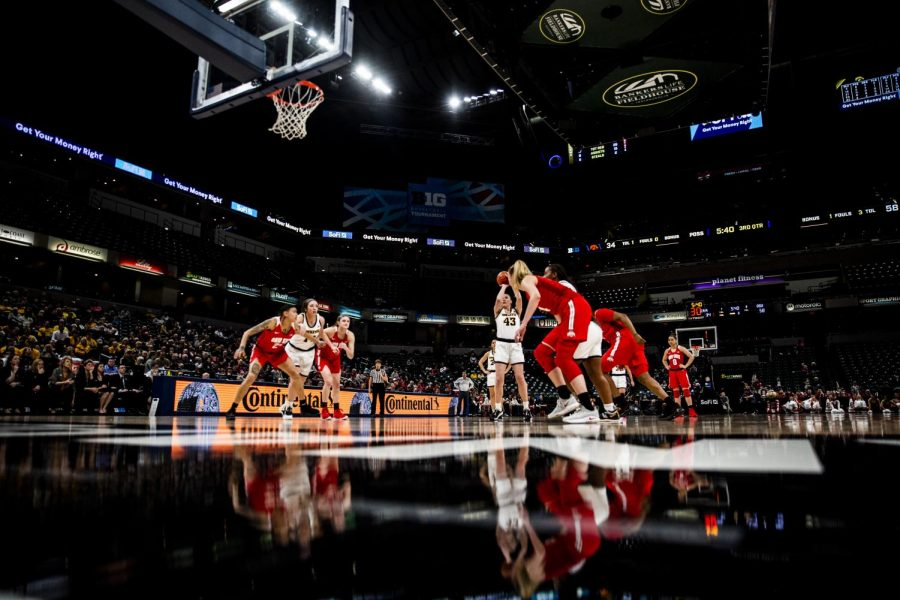 Players prepare for the live ball following the free throw shot during the Iowa vs. Ohio State Women's Big Ten Tournament game at Bankers Life Fieldhouse in Indianapolis on Friday, March 6, 2020.