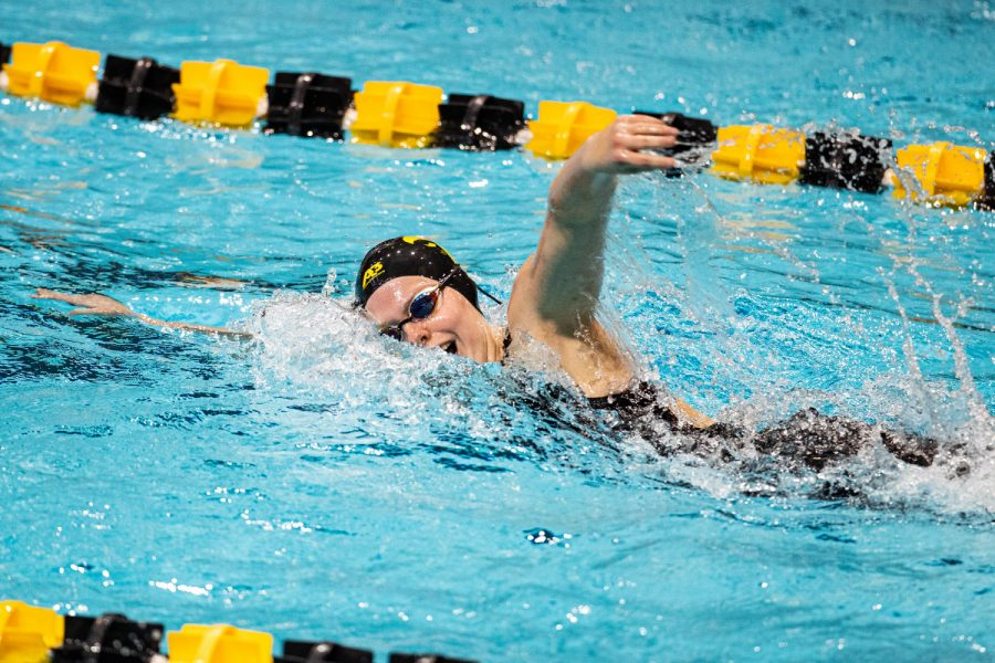 Iowa%27s+Alyssa+Graves+competes+in+the+women%27s+1000m+freestyle+during+a+swim+meet+at+the+Campus+Recreation+and+Wellness+Center+on+Saturday%2C+Jan.+16%2C+2021.+The+women%27s+team+hosted+Nebraska+while+the+men%27s+team+had+an+intrasquad+scrimmage.+%28Shivansh+Ahuja%2FThe+Daily+Iowan%29