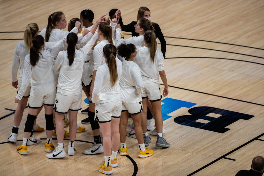The+Univeristy+of+Iowa+women%27s+basketball+team+meets+before+a+second+round+game+of+the+Big+10+women%E2%80%99s+basketball+tournament.+Iowa%2C+ranked+%236%2C+took+on+%2311+Purdue+in+Indianapolis+at+the+Bankers+Life+Fieldhouse+Wednesday+night.+The+Hawkeyes+beat+the+Boilermakers%2C+83-72%2C+advancing+the+Hawks+to+take+on+Rutgers+Thursday+night+in+the+Big+10+quarterfinals.+