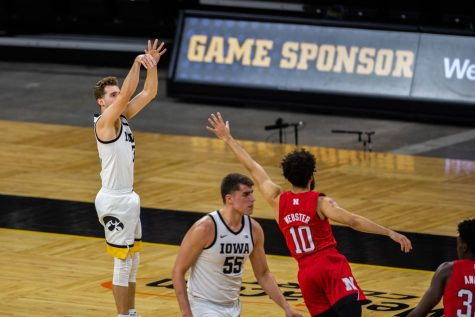 Jordan Bohannon ties career-high with eight 3-pointers in No. 5 Iowa