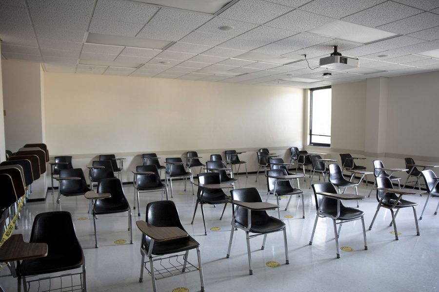 Classroom 105 in the English-Philosophy Building sits empty on Aug. 28,2020.