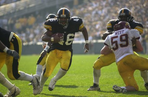 Ladell Betts finds a whole up the middle as he heads for the endzone during the Hawkeyes