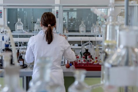 Popular Chemistry Degree Jobs That Pay Well and Are Also Interesting