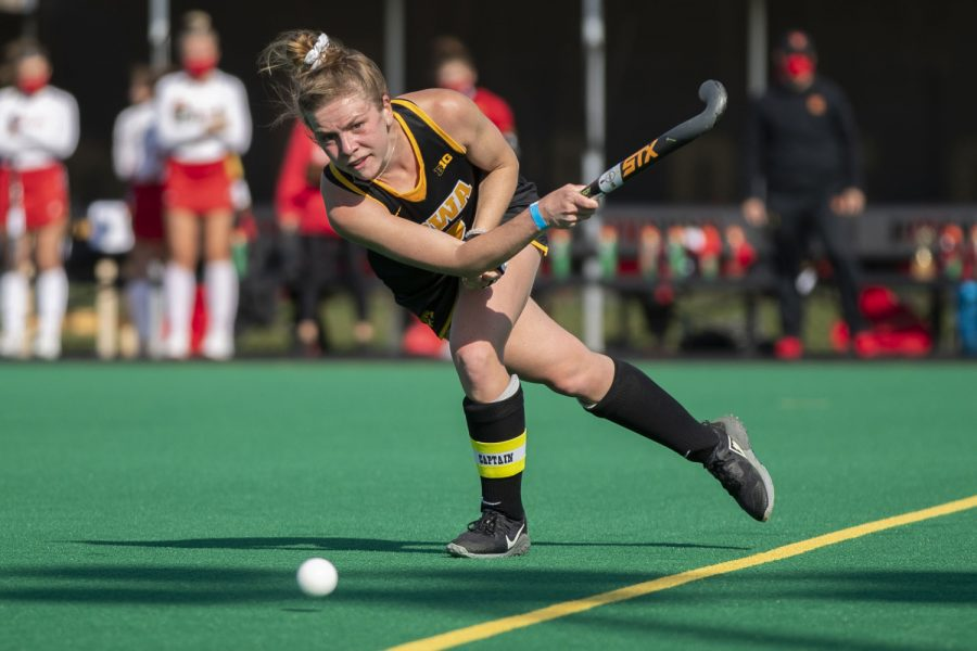 Iowa+midfielder+Nikki+Freeman+passes+the+ball+during+the+second+quarter+of+a+field+hockey+game+against+Maryland+on+Friday%2C+April+2%2C+2021+at+Grant+Field.+The+Hawkeyes+were+defeated+by+the+Terrapins%2C+1-0.