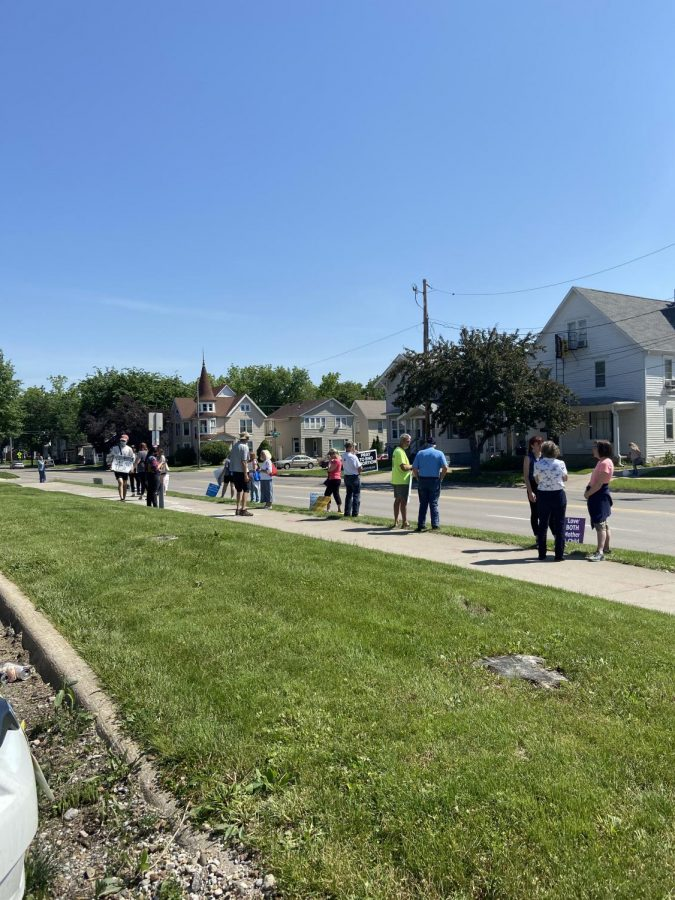 Abortion-rights counter-protesters and anti-abortion protesters gathered in front of the Emma Goldman Clinic on June 3.
