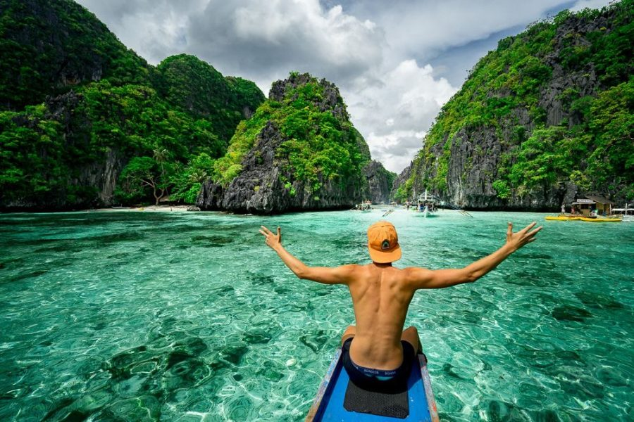 How Travel Influencers Buy Real Instagram Followers (The Secret!)