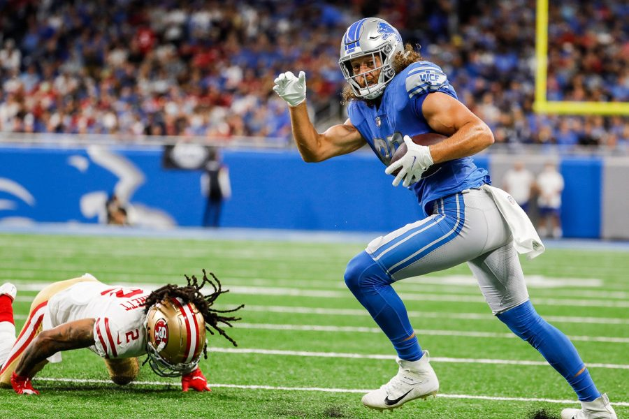 Detroit Lions tight end T.J. Hockenson (88) makes a catch against San Francisco 49ers cornerback Jason Verrett (2) during the first half at Ford Field in Detroit on Sunday, Sept. 12, 2021.
