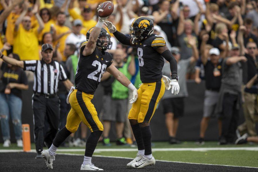 Halftime reactions: No. 4 Penn State leads No. 3 Iowa, 17-10