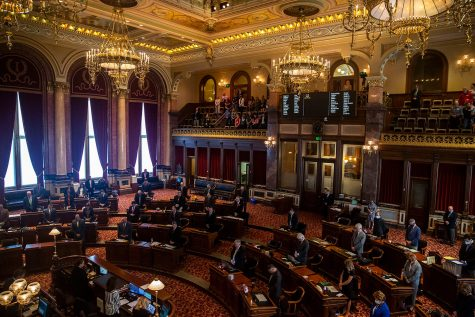 The Iowa Senate gavels in and begins a special session on redistricting maps on Tuesday, Oct. 5, 2021, at the Iowa State Capitol in Des Moines.